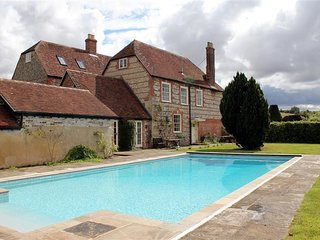 Croucheston Farmhouse - CROUCHESTON FARMHOUSE, pet friendly in Salisbury, Ref 98