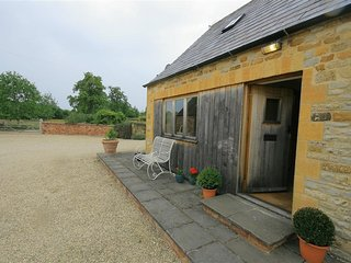 The Granary Cottage - THE GRANARY COTTAGE, pet friendly in Chipping Campden, Ref