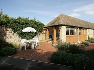 Laughtons Retreat - LAUGHTONS RETREAT, pet friendly in Stonesfield, Ref 988722