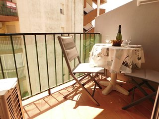 Holiday rental studio at 100m from the beach of Empuriabrava, Costa Brava