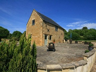 Tallet Barn - TALLET BARN, pet friendly in Bourton-On-The-Water, Ref 988644