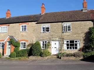 Vale Cottage - VALE COTTAGE, country holiday cottage in Gillingham, Ref 988968