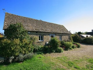 Pheasant Cottage - PHEASANT COTTAGE, with a garden in Minster Lovell, Ref 988600