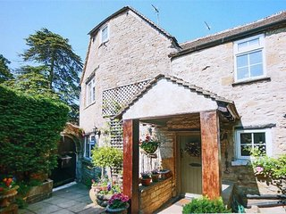 Pike Cottage - PIKE COTTAGE, with open fire in Stow-On-The-Wold, Ref 988609