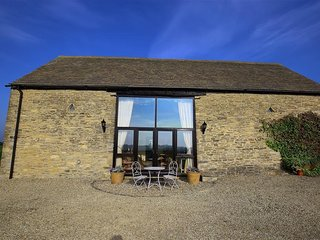 Gallery Barn - GALLERY BARN, pet friendly, with a garden in Burford, Ref 988613