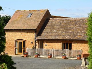 THE OLD GRANARY, perfect for couples, Wickhamford