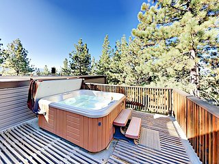 Serenity in South Lake Tahoe! 3BR Townhome w/ Multi-Level Deck & Hot  Tub
