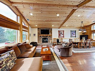 Luxury 4BR Lodge w/ Hot Tub & Pool Table; Minutes to Skiing & Village