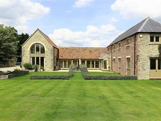 Mere Coach House - MERE COACH HOUSE, character holiday cottage in Fairford , Ref
