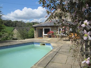 Shrove - SHROVE, character holiday cottage, with pool in Chedworth, Ref 988617