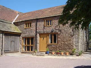 Church Farm Cottage - CHURCH FARM COTTAGE, character holiday cottage in Lydney,