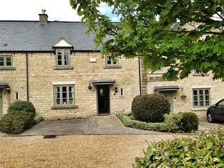 Stow Cottage - STOW COTTAGE, family friendly in Stow-On-The-Wold, Ref 988649