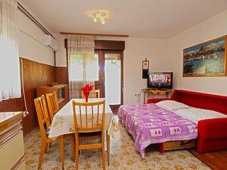 Apartment 887