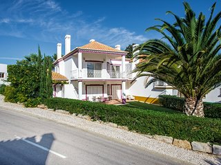 Quinta do Lago Apartment Sleeps 4 with Pool and Air Con - 5620962