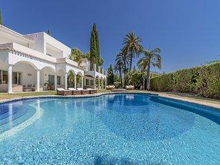 8 bedroom Villa in Fuente Nueva, Andalusia, Spain : ref 5001560