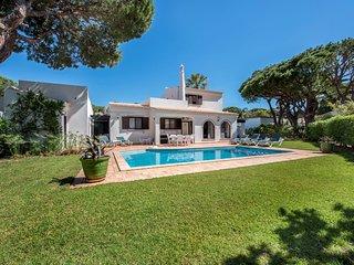 3 bedroom Villa in Vale do Garrao, Faro, Portugal : ref 5620868