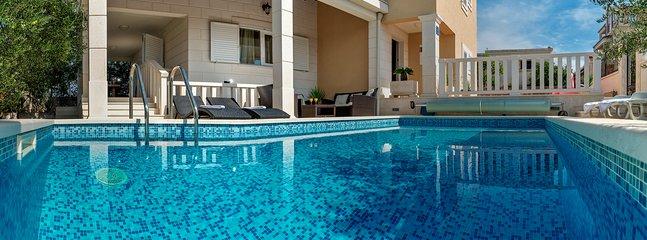 Luxury Villa Ivan With Pool, Island Solta