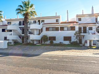 Quinta do Lago Apartment Sleeps 2 with Pool and Air Con - 5621023