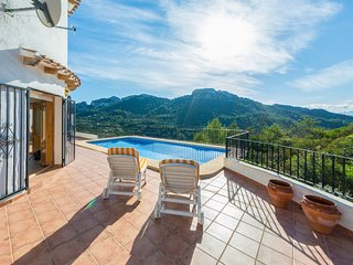 Rafol de Almunia Villa Sleeps 8 with Pool and Air Con - 5679558