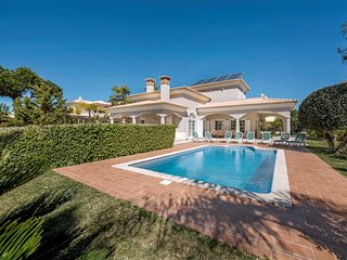 5 bedroom Villa in Barros da Fonte Santa, Faro, Portugal : ref 5620958