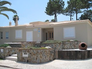 4 bedroom Villa in Quinta do Lago, Faro, Portugal : ref 5674200