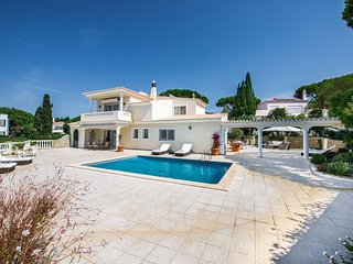 4 bedroom Villa in Vale do Lobo, Faro, Portugal : ref 5620936