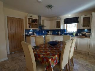 Open plan kitchen for sociable cooking