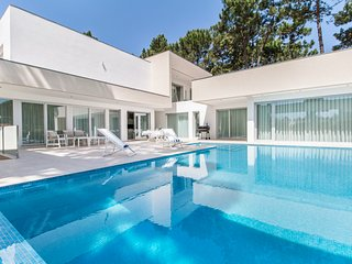 5 bedroom Villa in Aroeira, Setubal, Portugal : ref 5679398