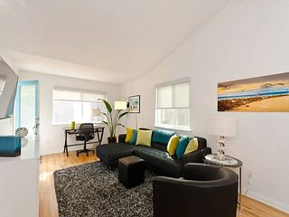 1BR Venice + Patio by Abbot Kinney!
