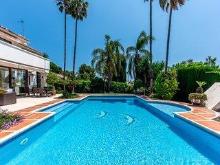 5 bedroom Villa in Fuente Nueva, Andalusia, Spain : ref 5001586