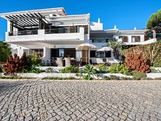 Quinta do Lago Apartment Sleeps 4 with Pool and Air Con - 5621046