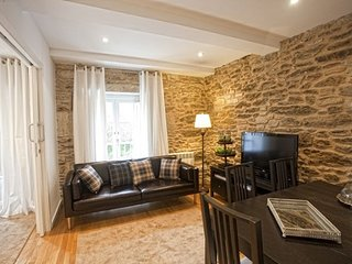 Lovely First Floor Apartment 300m from the Historic Centre!
