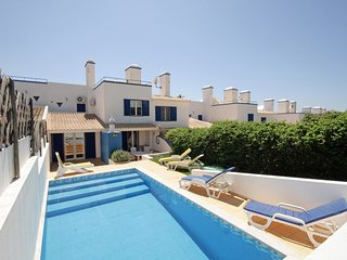 3 bedroom Villa in Vale do Garrao, Faro, Portugal : ref 5620902