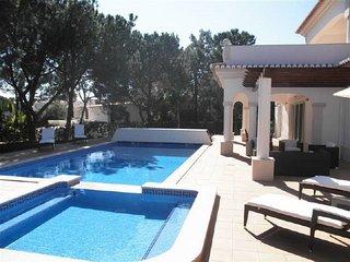 4 bedroom Villa in Quinta do Lago, Faro, Portugal - 5620989
