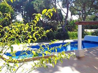 Quinta do Lago Villa Sleeps 8 with Pool and Air Con - 5620989