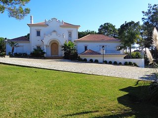 4 bedroom Villa in Quinta do Lago, Faro, Portugal : ref 5620989