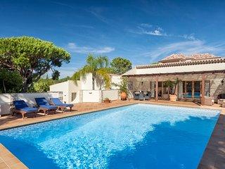 5 bedroom Villa in Vale do Lobo, Faro, Portugal : ref 5674198