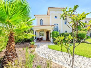Quinta do Lago Town House Sleeps 6 with Pool and Air Con - 5620956