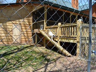 AKE'S ACRE - Fenced Yard, Fireplace/Wood, Fire Pit, Foosball, Gas Grill, Hot Tub
