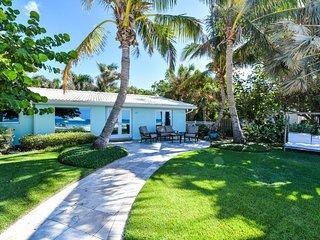Siesta Key Paradise! 4 Bedroom Beachfront Home