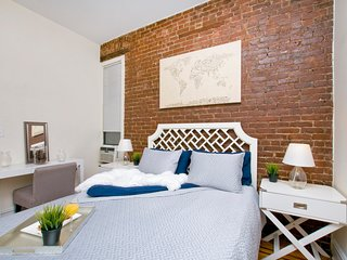 Prime East Village* USQ *New charming 2BR~Sleeps 5