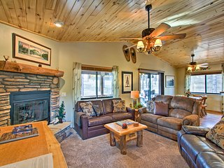 NEW! Honeybear Hollow Romantic Getaway Cabin