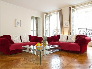 65. SPACIOUS 3BR PARISIAN FLAT IN SAINTGERMAIN - BY MONTPARNASSE