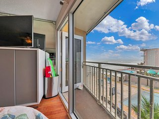 NEW LISTING! Waterview studio on beach w/ kitchenette, balcony, & shared pool