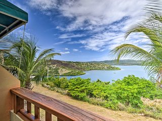 NEW-Condo w/Patio & Bay Views-1.5 Mi to DT Culebra