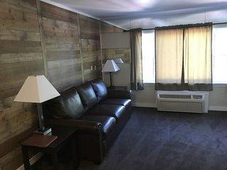 Mini Suite 2