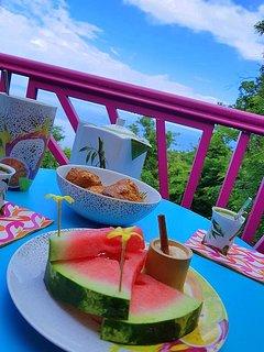 Petit déjeuner au deck