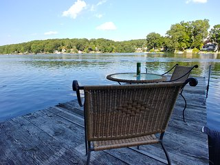 Newly remodeled quiet lakefront 2 bedroom 2 bath