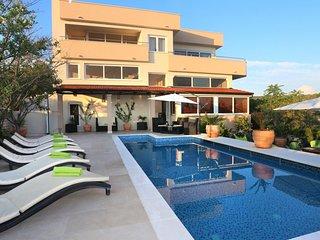Villa Sun Ciovo – Beautiful pool villa in Okrug Gornji, near Trogir