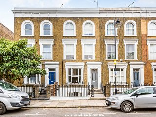 LUXURY NEW 3 Double Bedroom Islington Apartment